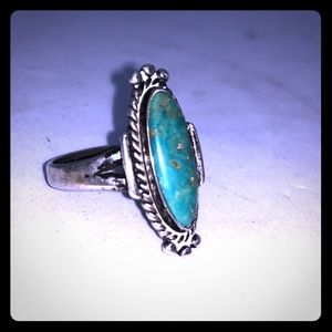 Vintage Ladies Sterling Silver and Turquoise Ring